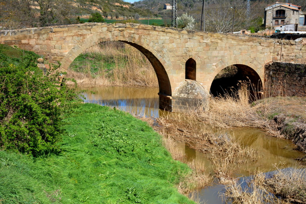 Puente antiguo de Torà